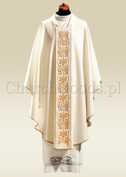 White contemporary chasuble 1047